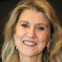 Zeynep Oral