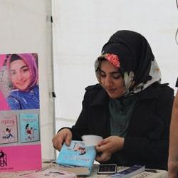 Zeynep Sahra