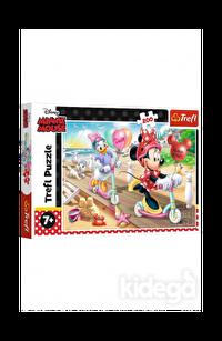 Trefl Puzzle Minnie On The Beach 200 Parça